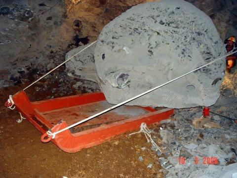 tecniche estrattive in cave e miniere Amethyst__artigas__uruguay__the_strong_sled_166